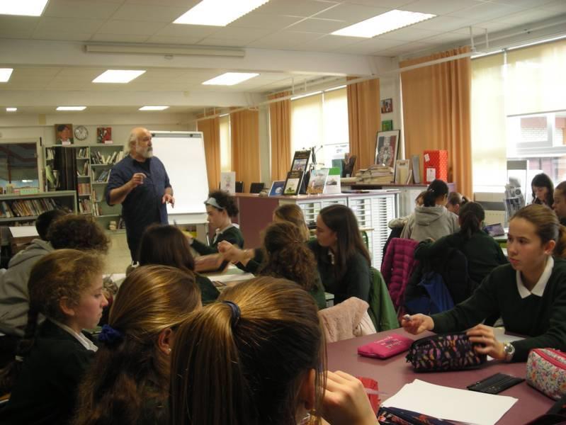 Semaine de la presse avec l'auteur/dessinateur Alain Goutal pour l'intervention auprès des élèves de 6ème, 4ème, 3ème et de 2de. Les techniques de la BD et du dessin de presse ont été abordées. Du 13 au 17 mars